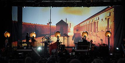 thåström backdrop